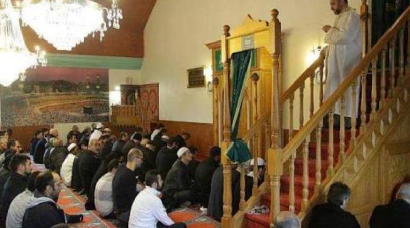 100 imams algériens envoyés pour officier en France